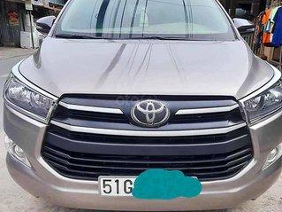 Bán Toyota Innova sản xuất năm 2018, màu xám