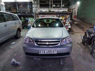 Cần bán Chevrolet Lacetti đời 2012, màu bạc