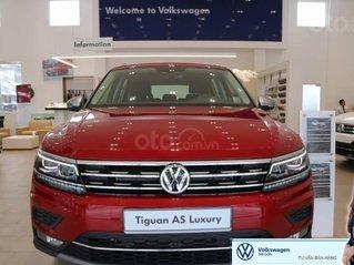 Khuyến mãi xe Tiguan Luxury màu đỏ đô khuyến mãi trước bạ 120 triệu đồng + nhiều quà tặng hấp dẫn