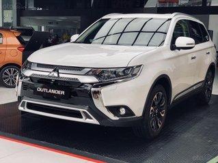 Mitsubishi Outlander 2020 khuyến mãi lớn - giảm 100% phí trước bạ  + quà tặng cực hấp dẫn