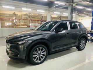 Mazda CX-5 2.5 Signature chỉ với 879 triệu, giá tốt nhất, xe đủ màu, giao ngay