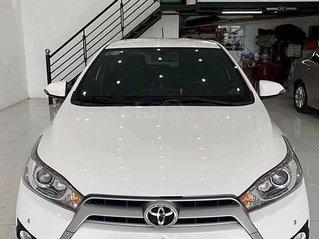 Cần bán Toyota Yaris sản xuất năm 2015, màu trắng, xe nhập còn mới