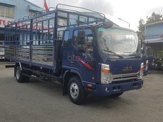 Xe tải Jac 6,6 tấn N650 Plus thùng dài 6.2 mét. Sử dụng động cơ Cummins Mỹ 3.8L, giá niêm yết 629 triệu