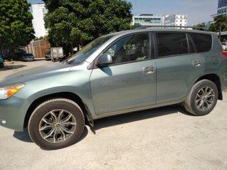 Xe Toyota Rav4 nhập khẩu, đổ xăng là chạy sản xuất 2006, đăng ký lẫn đâu 2008, màu xanh