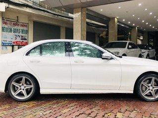 Mercedes C300 AMG màu trắng cực mới