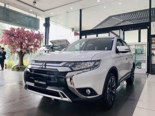 [Siêu ưu đãi tháng cuối năm] Mitsubishi Outlander 2020 giá chỉ từ 825 triệu, hỗ trợ thuế 100%%. Bao giá toàn quốc