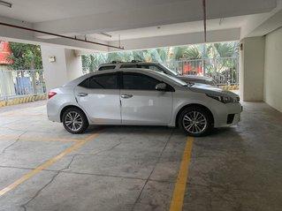 Bán Toyota Corolla đời 2017, màu bạc còn mới