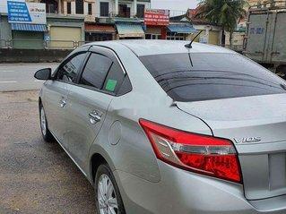 Cần bán lại xe Toyota Vios đời 2017, màu bạc còn mới