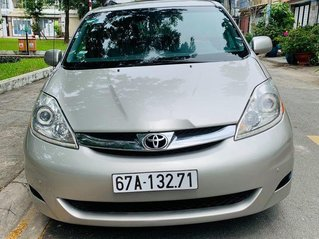 Bán Toyota Sienna sản xuất năm 2008, màu bạc còn mới, giá chỉ 595 triệu