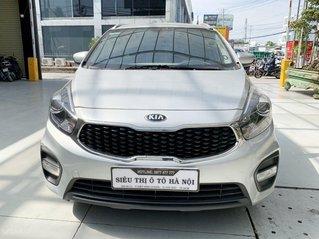 Bán xe Kia Rondo GAT MT 2018 màu bạc, siêu đẹp
