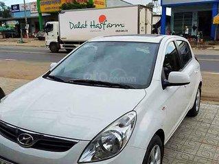 Bán Hyundai i20 năm 2011, màu trắng, giá chỉ 298 triệu