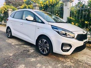 Một cặp Kia Rondo 2020 trắng Ngọc Trinh đang có sẵn, giao ngay tại Khánh Hòa, Ninh Thuận