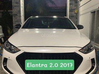 Cần bán xe Hyundai Elantra 2.0 2017, màu trắng còn mới, giá tốt 540 triệu đồng