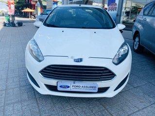 Cần bán Ford Fiesta năm sản xuất 2015, màu trắng còn mới, giá chỉ 325 triệu