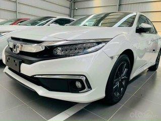 Cần bán xe Honda Civic 1.8E đời 2020, màu trắng