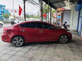 Cần bán gấp Kia Cerato sản xuất 2017, màu đỏ