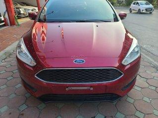 Mới về Ford Focus 2017 bản Hatchback màu đỏ chạy 20 000km km siêu đẹp