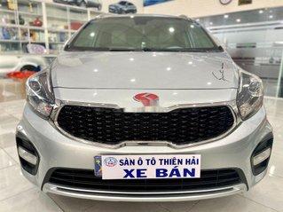 Cần bán xe Kia Rondo năm sản xuất 2017, màu bạc, 495 triệu