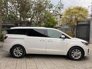 Xe Kia Sedona năm sản xuất 2020, màu trắng còn mới