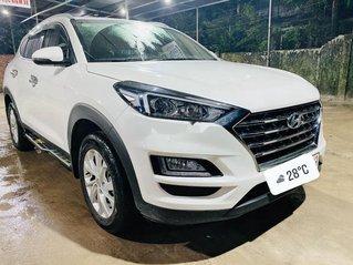 Cần bán xe Hyundai Tucson sản xuất năm 2019, màu trắng