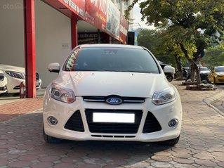 Cần bán nhanh Ford Focus Hatchback 2014 xe đẹp nguyên bản