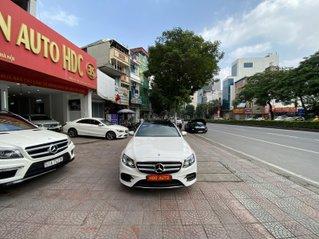 Bán xe Mercedes-Benz E300 AMG màu trắng, cực mới giá tốt