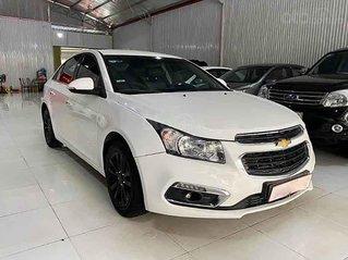 Cần bán lại xe Chevrolet Cruze năm sản xuất 2017, màu trắng