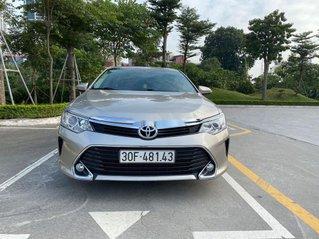 Cần bán gấp Toyota Camry năm sản xuất 2017 còn mới, 825 triệu