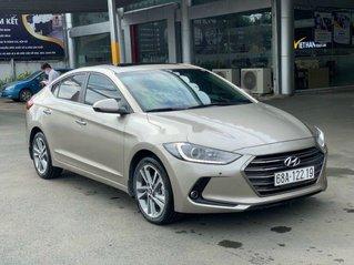 Cần bán lại xe Hyundai Elantra năm 2019 còn mới