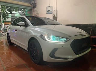 Cần bán xe Hyundai Elantra năm 2017, giá tốt, xe còn mới