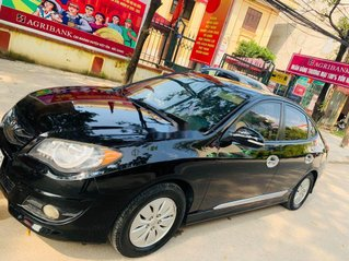 Cần bán Hyundai Avante năm sản xuất 2011, màu đen xe gia đình