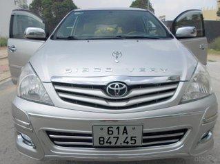 Toyota Innova 12/2009 mẫu mới 2010, xe mới như xe hãng, không có chiếc thứ 2, zin 100%