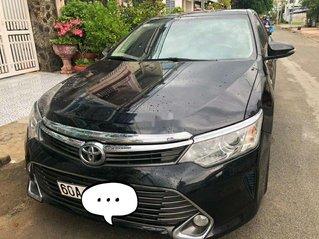 Bán Toyota Camry đời 2016, màu đen, 740tr