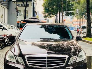 Bán Mercedes E class sản xuất năm 2009, màu nâu còn mới, giá 575tr