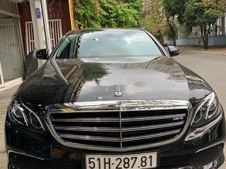 Cần bán lại xe Mercedes E 200 sản xuất năm 2017, màu đen, xe nhập
