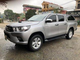 Bán xe Toyota Hilux 2.5 MT 4×2 cuối 2015, phom mới