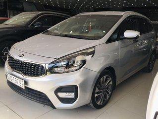 Cần bán lại xe Kia Rondo sản xuất năm 2018, màu bạc số sàn