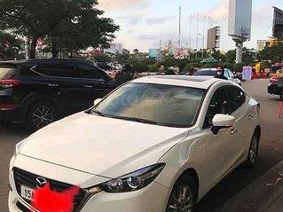 Cần bán Mazda 3 năm sản xuất 2018, màu trắng còn mới, giá tốt