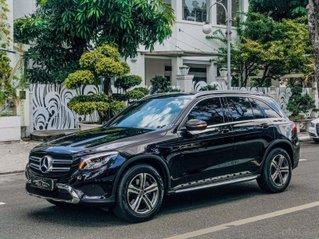 Cần bán lại xe Mercedes GLC 200 sản xuất năm 2018, màu đen, xe đẹp như mới