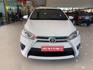 Bán xe Toyota Yaris 1.3 AT sx năm 2015, màu trắng