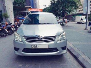 Bán xe Innova E 2013 số sàn, biển Hà Nội, xe rất chất