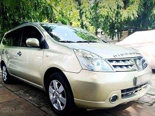 Cần bán lại xe Nissan Grand livina năm sản xuất 2013, màu vàng