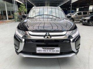 Bán xe Mitsubishi Outlander 2.0 CVT 2019, xe màu đen sang trọng, có trả góp