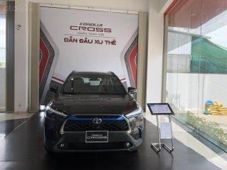 Toyota Cross 1.8 Hybrid màu ghi 2021 mới - xe giao ngay