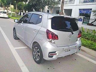 Bán lại xe Toyota Wigo sản xuất 2019, màu bạc, nhập khẩu số sàn, giá chỉ 305 triệu