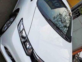 Cần bán Honda Civic năm 2014, màu trắng