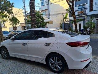 Bán Hyundai Elantra năm sản xuất 2017, xe còn mới giá ưu đãi