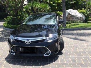 Bán nhanh chiếc Toyota Camry 2.0E sản xuất 2019, xe còn mới