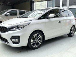 Cần bán xe Kia Rondo sản xuất 2019, màu trắng còn mới, giá chỉ 590 triệu