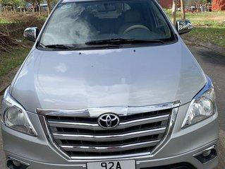 Cần bán Toyota Innova năm sản xuất 2015, giá thấp, động cơ ổn định